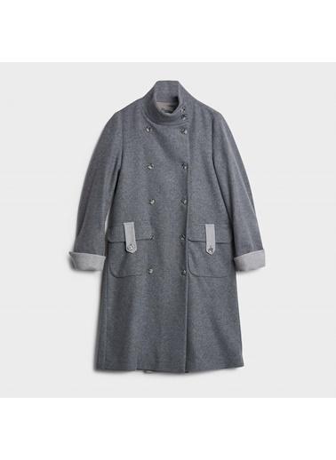 Yargıcı Sırt Detaylı Palto Gri